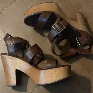 Gap Wooden Platfrom Sandals